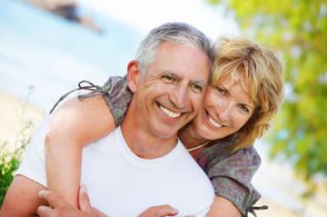 mature-couple-healthy-teeth
