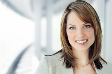 young-business-women-great-smile
